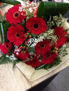Bouquet di gerbere rosse e i perciò rosso