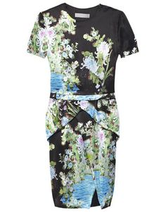 Need a wardrobe update? Here are 7 pieces you need but don't own. Fashion Articles, Fashion Updates, Fasion, Autumn Fashion, Thornton Bregazzi, Dresses For Work, Japanese Gardens, Elegant, Inspired