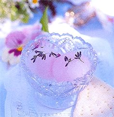 1 cup granulated sugar 2 cups water 1 tablespoon culinary grade lavender 2 1/2 tablespoons freshly-squeezed lemon juice 2 tablespoons vodka In a medium saucepan over medium heat, combine sugar and …