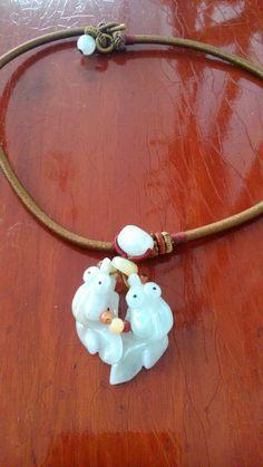 fish pendant vintage jewelry jewellery semi precious stones necklace 1970s 1980s