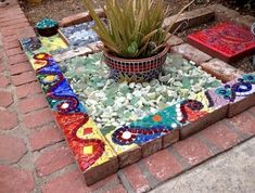 Mosaic decor - 30 Best DIY Concrete Garden With Mosaics Ideas – Mosaic decor Mosaic Crafts, Mosaic Projects, Art Projects, Mosaic Vase, Mosaic Tiles, Mosaic Stairs, Mosaic Garden Art, Mosaic Stepping Stones, Vintage Garden Decor