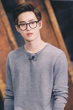 Kim Jun-Myeon or Suho of EXO.                                                                                                                                                     Más