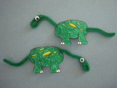 Mini dinosaur craft idea with magnet for frig