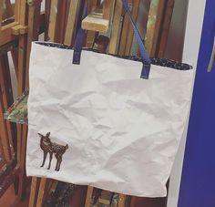 Tasche, Shopper aus SnapPap. Innenfutter aus Baumwolle mit Rehaplikation und Stempeldruck