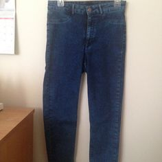 High-Waisted Acid Wash Jeans NWOT, stretchy, high waisted. H&M Jeans Skinny