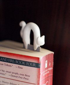 Cat bookmark on etsy. Want!