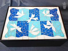 Caixa com tampa em mosaico