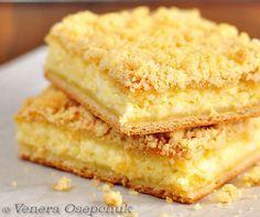 Из той поездки в деревню я ещё привезла рецепт вкусного татарского творожного пирога, которым нас угощали. Это дрожжевой пирог, где тонкое мягкое тесто, много… Cake Business, Confectionery, Sweet Desserts, No Bake Desserts, Sweet Recipes, Cake Recipes, Dessert Recipes, Lemon Cream Cheese Bars, Cheesecake