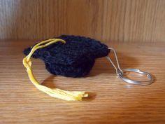 Great Grey Crochet: Graduation Cap...free pattern!