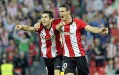 Susaeta junto Aduriz en la celebración de un gol en San Mamés