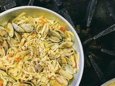 Panoram Italia - FOOD & WINE - Linguine Con le Vongole (clams)