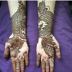 Here are some simple mehendi designs which will intimidate you to try it for yourself without the need for any special occasion. Simple Arabic Mehndi Designs, Indian Mehndi Designs, Mehndi Designs Book, Full Hand Mehndi Designs, Stylish Mehndi Designs, Mehndi Design Pictures, Mehndi Designs For Girls, Wedding Mehndi Designs, Beautiful Henna Designs