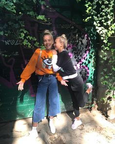 Lisa and Lena in Warsaw