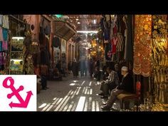 Video: 1 Minute bei den Suqs (Souks) in Marrakesch in Marokko | Yesnomads Deutsch #ReiseMarrakesch #ReisetippsMarrakesch #Marrakesch #Marokko #SouksMarrakesch