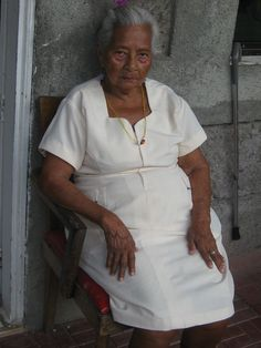 reminds me of my g.grandmother :(