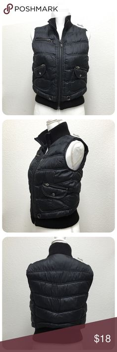 "F21 warm vest PRELOVED in good condition, minor wear, nothing noticeable. fully lined, great over short or long sleeve top.  details ∙ small ∙ 21"" length ∙ 18"" bust   materials ∙ 100% polyester shell ∙ 100% polyester lining ∙ 100% polyester filling  due to lighting- color of actual item may vary slightly from photos.  please don't hesitate to ask questions. happy POSHing 😊  💰 use offer feature to negotiate price 🚫 i do not trade or take any transactions off poshmark Forever 21 Jackets…"