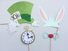 Alice in Wonderland Inspired Photo Booth by LetsGetDecorative
