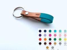 Color de encargo y personalizados cuero llavero  por madebyperri