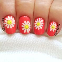 Heat Up Your Life with Some Stunning Summer Nail Art Daisy Nails, Flower Nails, Manicure And Pedicure, Manicure Ideas, Nail Ideas, Makeup Ideas, Beauty Nails, Diy Beauty, Hair And Nails