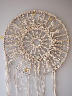 how to make a circular macrame wall hanging by apairandaspare, via Flickr
