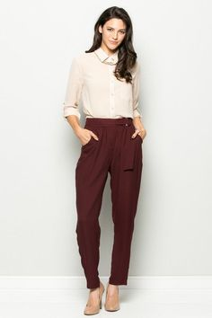 High waisted with belt, pleated trouser style, loose fit, functional pockets 100% Polyester S (2-4), M (6-8), L (10-12)