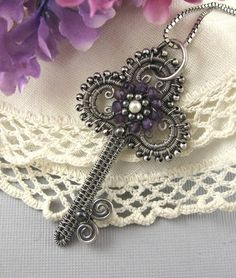 Items similar to Jewelry Tutorial-Victorian Key Pendant Wire wrapped on Etsy Key Jewelry, Metal Jewelry, Beaded Jewelry, Jewelery, Handmade Jewelry, Jewelry Making, Diy Schmuck, Schmuck Design, Wire Crafts