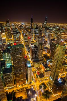 Chicago Night by Putt Sakdhnagool, via 500px