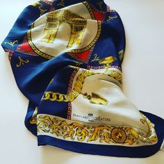 #parfums #vintage #silk #fashionblogger #fashion #paris