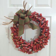 Shotgun Shell Art, Shotgun Shell Wreath, Shotgun Shell Crafts, Shotgun Shells, Ammo Crafts, Hunting Crafts, Crafts To Do, Arts And Crafts, Diy Crafts