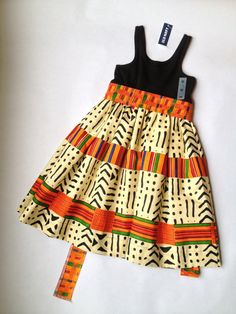 Articles similaires à Filles kente et jersey Knit dress sur Etsy African Dresses For Kids, Latest African Fashion Dresses, Dresses Kids Girl, African Print Fashion, Kids Outfits, Moda Afro, Girls Pinafore Dress, Kids Dress Wear, Baby Dress Design