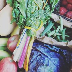 Wondering where we get our beautiful and nutritious ingredients? We are happy to announce a partnership with @mannamarket1 {a local organic food co-op}. For now, they are sourcing our ingredients locally as much as possible, but soon they will be planting crops just for your babies and #dixiefreshdelight!