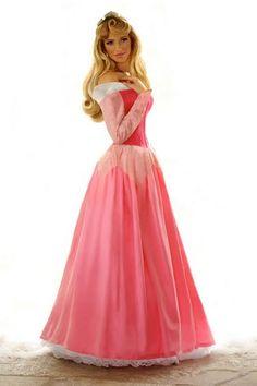 Disney cosplay: Aurora