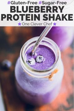 This Vanilla Blueberry Protein Shake is super healthy, easy to make and perfect as a quick breakfast. It is choke-full of antioxidants and lean protein. Whey Shake, Whey Protein Shakes, Protein Shake Recipes, Healthy Shakes, Healthy Drinks, Smoothie Recipes, Healthy Smoothies, Best Protein, Healthy Protein
