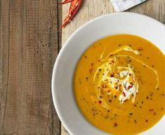 I think this Butternut Squash Soup with Chilli and Creme Fraiche is wonderful. I think this Butternut Squash Soup with Chilli and Creme Fraiche is Bbc Good Food Recipes, Fall Recipes, Soup Recipes, Cooking Recipes, Low Fat Vegan Recipes, Cooking Videos, Recipes Dinner, 300 Calories, Chilli Soup