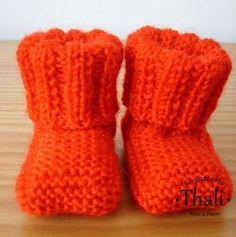 Des petits chaussons bien chaud avec un bord plié pour bien tenir au pied …
