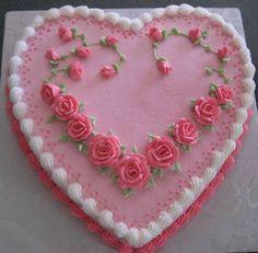 Image from http://fleagle.net/cakephotos/holiday/heart.JPG.