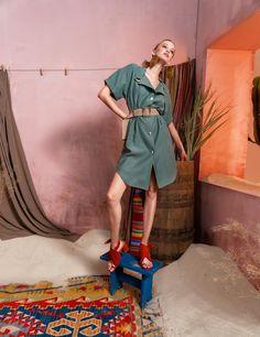 Вдохновением для новой летней коллекции от Alena Goretskaya стала Африка. Это яркая цветовая палитра, смешение стилей, анималистические и этнические принты, натуральные материалы, фурнитура и, конечно же, авторские аксессуары, которые дополнили и завершили образы, ярко отражающие стиль коллекции.  #alenagoretskaya #аленагорецкая #лето2020 #летнийобразженский #летнийобраз #тренды2020 #мода2020 #летнийобразнаработу #весна2020 #африка #образналето #платье #аксессуары2020 #аксессуары #платье