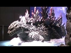 Awesome Submerging Godzilla Display @ Godzilla Tokusatsu Kingdom Yokoham...