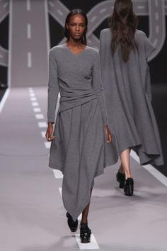 Jeseň / zima 2014 módne na Paris Fashion Week: desiata Essential Looks   Metro UK