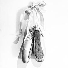 #myoldballetshoes #pointes #pain #bloch : #fashionablepharmie
