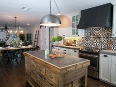 Take a look at this incredible kitchen makeover by Lost & Found