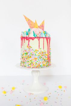 unicorn strawberry cake recipe.