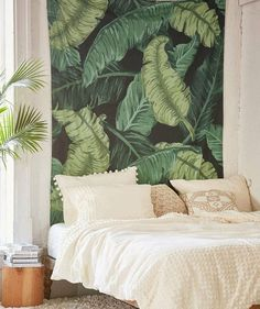 I need this banana Leaf Tapestry by urban outfitters in my life (or my bedroom) right about now. Love the bright green color that pops. Especially if I matched it with some other green decor and touch Tapestry Headboard, Tapestry Bedroom, Bedroom Art, Tapestry Fabric, Bedroom Ideas, Tapestry Beach, Bedroom Beach, Urban Outfitters Tapestry, Tropical Wall Decor