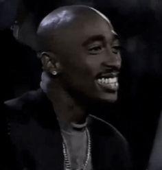 Tupac Shakur 90s Hip Hop, Hip Hop And R&b, Tupac Shakur, 2pac, Tupac Videos, Tupac Makaveli, Man Crush Monday, Famous Black, American Rappers
