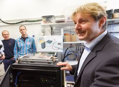 Bruno Michel describes Aquasar, an IBM Research prototype high-performance computing machine that uses unusually high-temperature liquid coo. Green Technology, Your Brain, Ibm, Around The Worlds