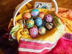 Farm-Fresh, Pasture-Raised Easter Eggs AND the best way to peel farm fresh eggs
