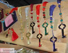 Μερικά γούρια από το περίπτερό μας! Το κλειδί της χρονιάς, σε πολλά - πολλά χρώματα! Metal key good luck charms in many colors! Handmade greek product. Personalized Items