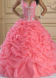 want to buy quincenera dress, come there.