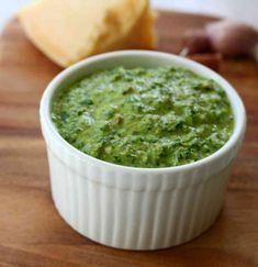 Fresh pesto in thermomix seconds! Got garlic? Got basil? Got parmesan? Get pesto. Pesto Dip, Basil Pesto, Best Pesto Recipe, Relish Sauce, Thermomix Bread, Savoury Biscuits, Raw Vegetables, Healthy Eating Recipes, Vegetarian Recipes