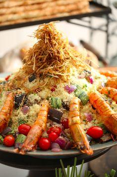 couscous marroquino com legumes em infusão de hortelã e camarões pistolas